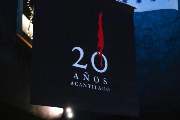 Movil Acantilado y Quaderns Crema